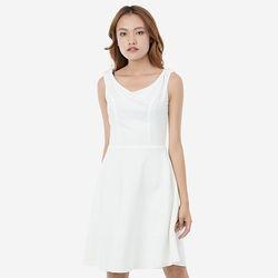 Đầm trắng xòe xéo có bạ vai Leena 8DN01