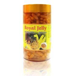 01 hộp sữa ong chúa Royal Jelly + 01 trà hồng sâm Hàn Quốc + 01 nước yến TPN+ 01 kẹo sâm dẻo 200gr