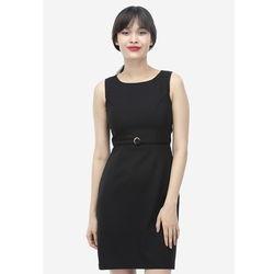 Đầm đen cổ tròn đính khuy eo 7DN06