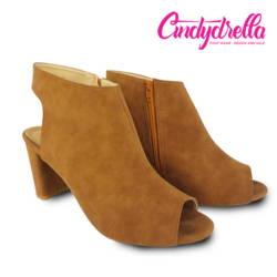 Giày Boot màu nâu Cindydrella